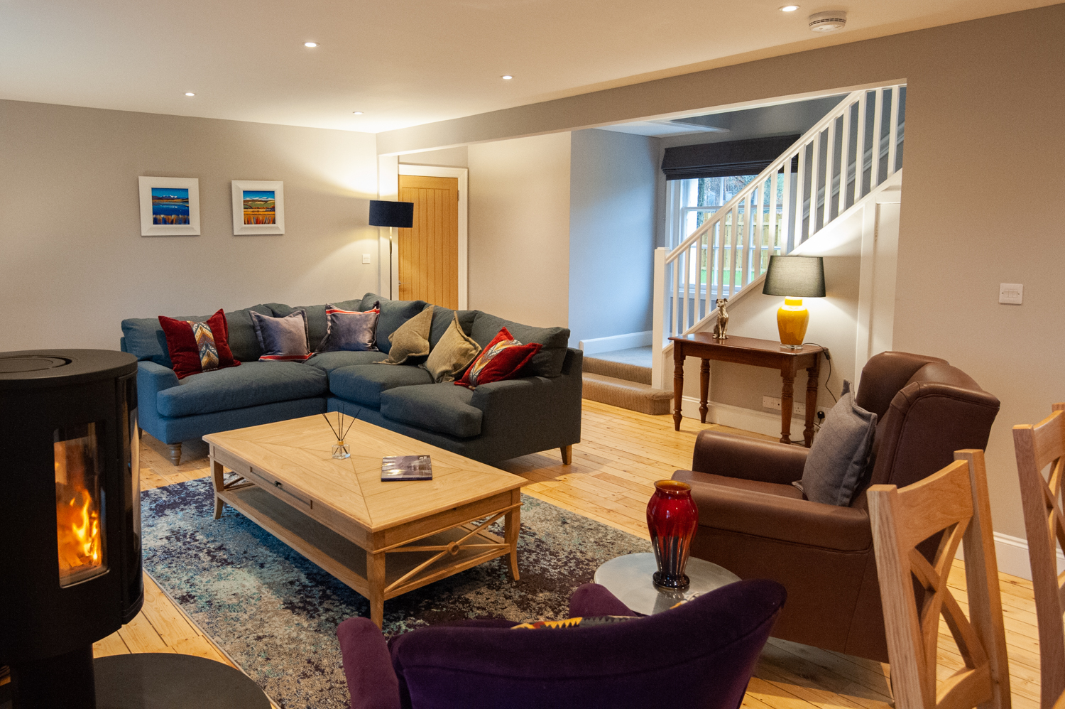 Spacious living area in Parkside Cottage
